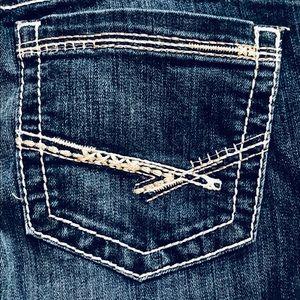 💙 BKE Buckle Capri Jeans Size 26 Culture